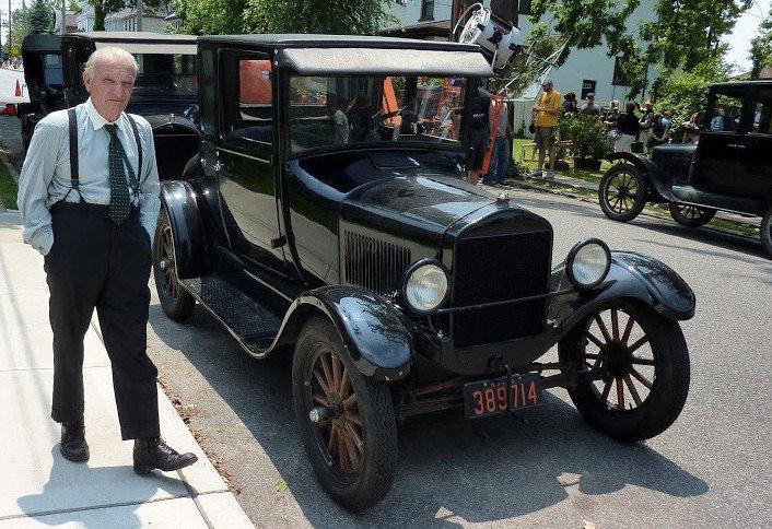Генри Форд наводнил Америку своим машинами